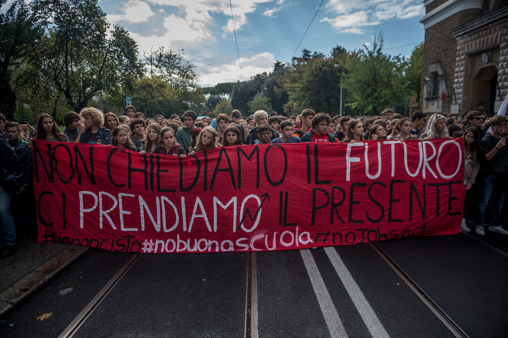 La manifestazione nazionale contro la Buona scuola, a Roma, il 2 ottobre 2015. - Antonio Masiello, NurPhoto/Corbis/Contrasto